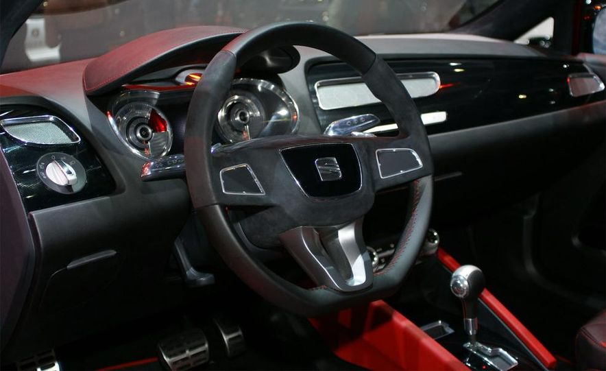 Seat Bocanegra concept interior - Slide 19