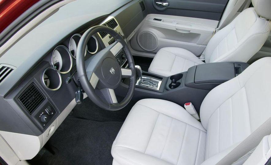 2008 Dodge Charger - Slide 7