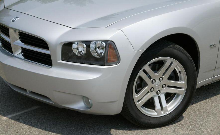 2008 Dodge Charger - Slide 9