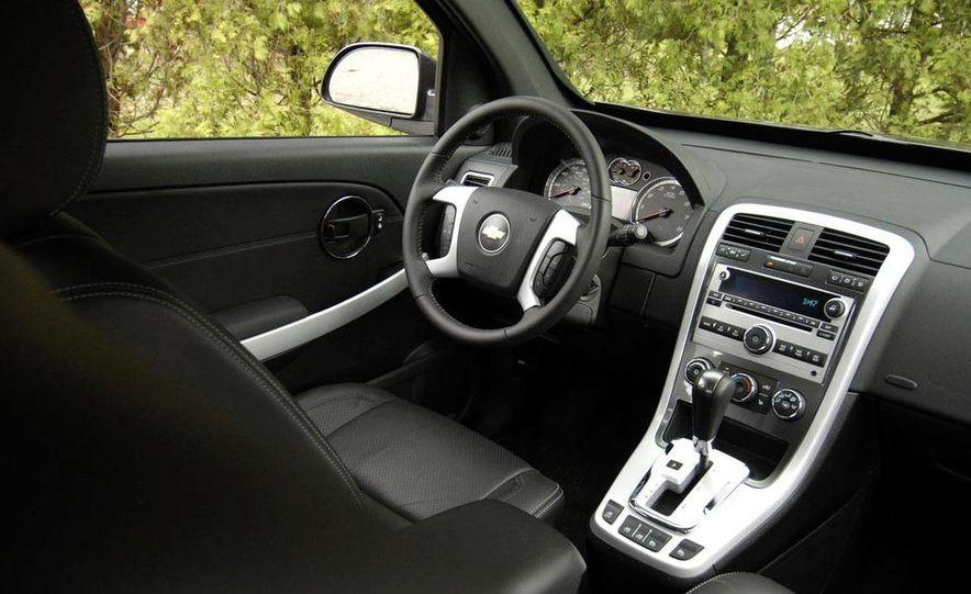 2008 Chevrolet Equinox Sport AWD interior - Slide 1