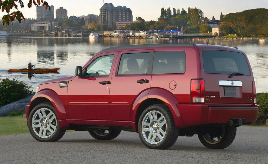 2008 dodge nitro rt pictures photo gallery car and driver 2008 dodge nitro rt slide 2 sciox Image collections