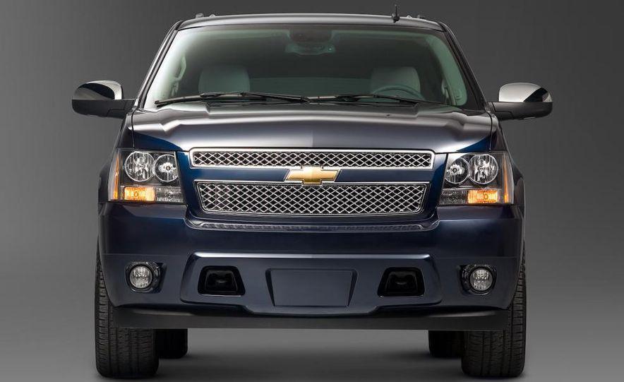 2008 Chevrolet Suburban - Slide 1