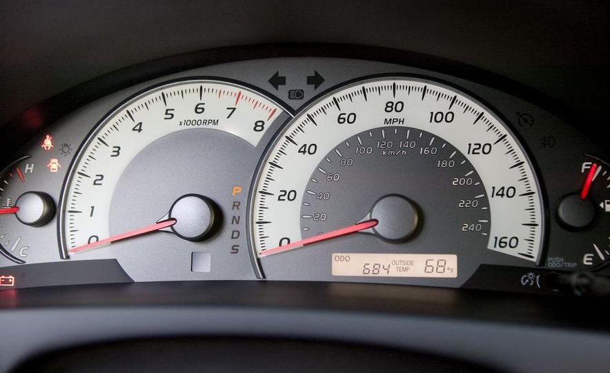 2008 Toyota Camry SE - Slide 4