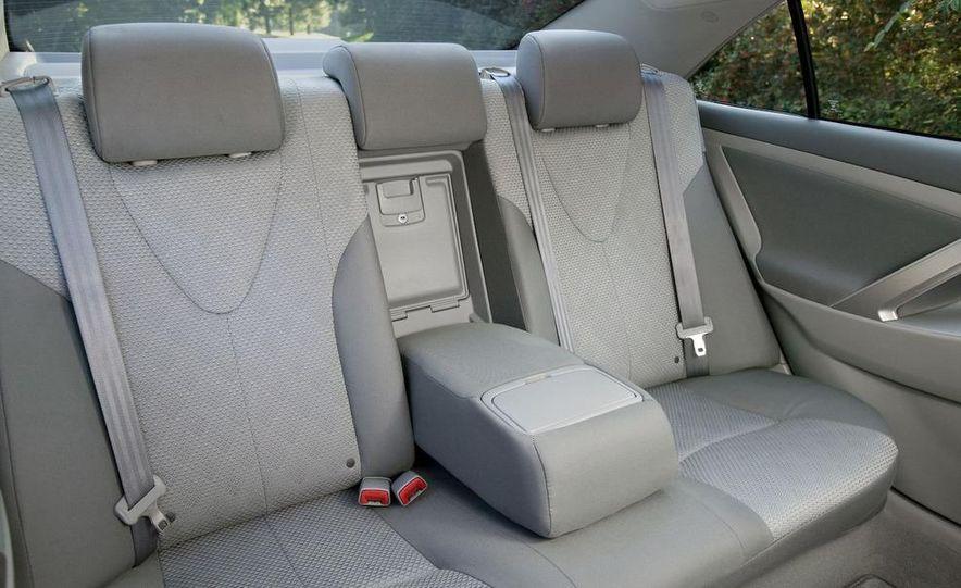 2008 Toyota Camry SE - Slide 5