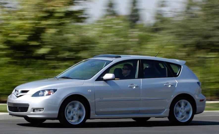 2008 Mazda 3 interior - Slide 9