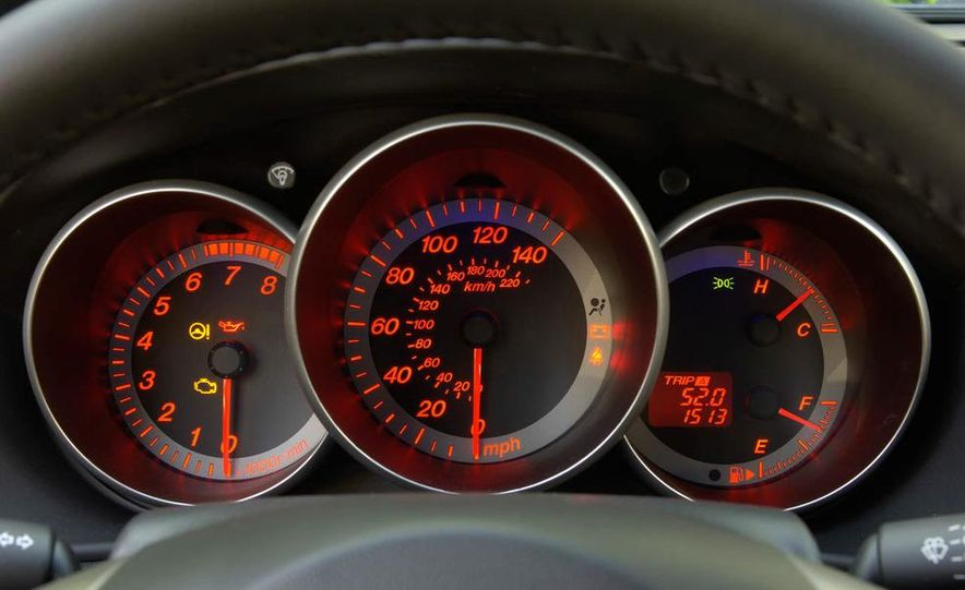 2008 Mazda 3 interior - Slide 12