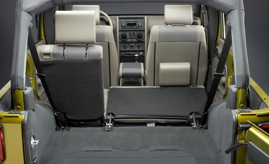 2008 Hummer H3 Alpha and Jeep Wrangler Unlimited Rubicon - Slide 16