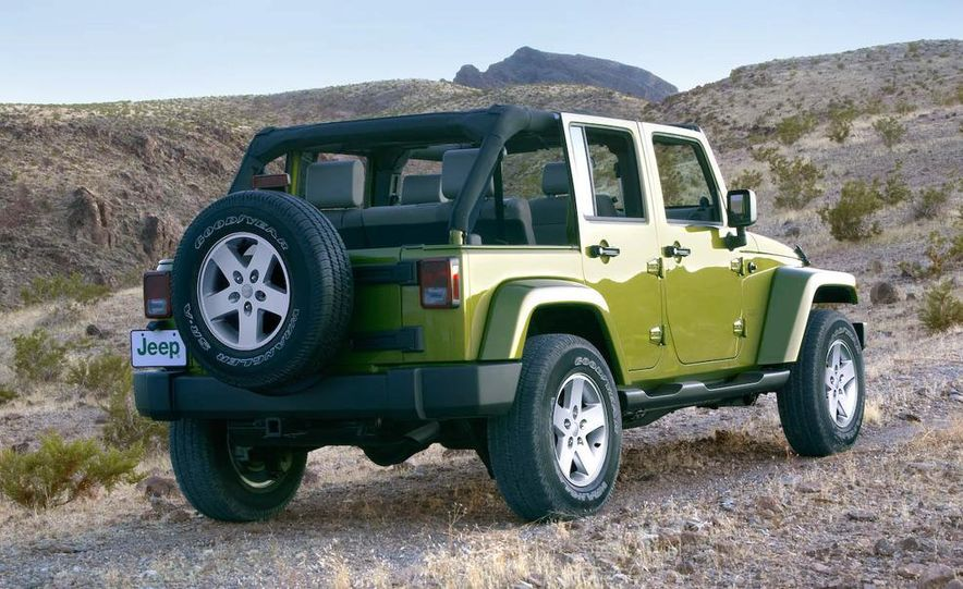 2008 Hummer H3 Alpha and Jeep Wrangler Unlimited Rubicon - Slide 12