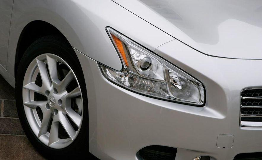2009 Nissan Maxima - Slide 23