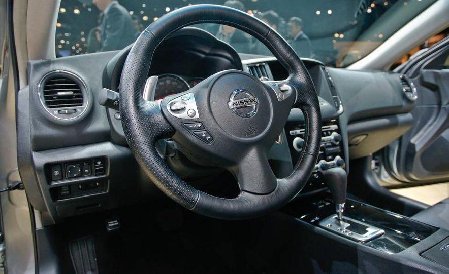 2009 Nissan Maxima - Slide 11