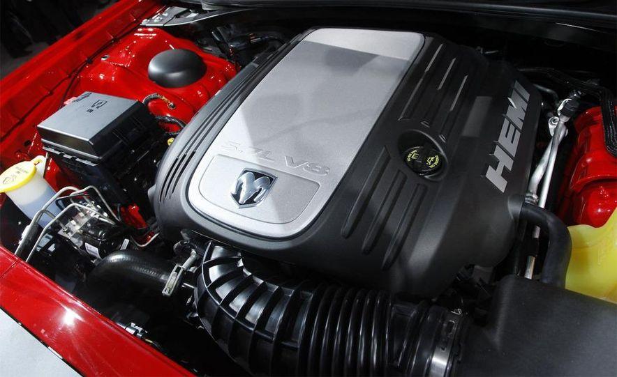 2009 Dodge Challenger R/T - Slide 5
