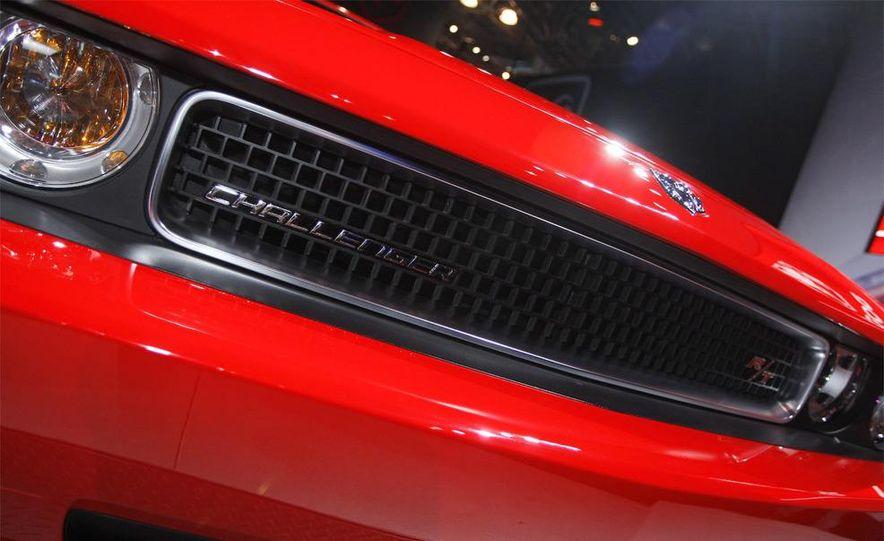 2009 Dodge Challenger R/T - Slide 2