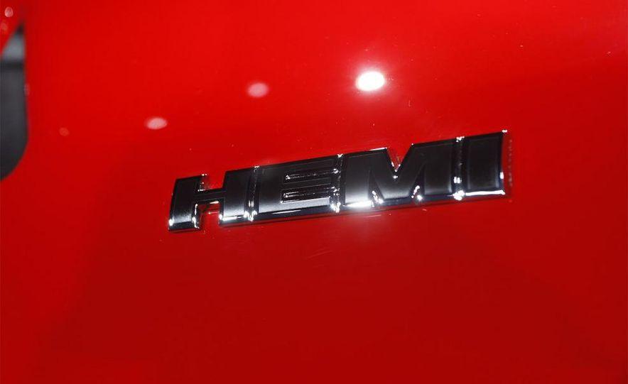 2009 Dodge Challenger R/T - Slide 10