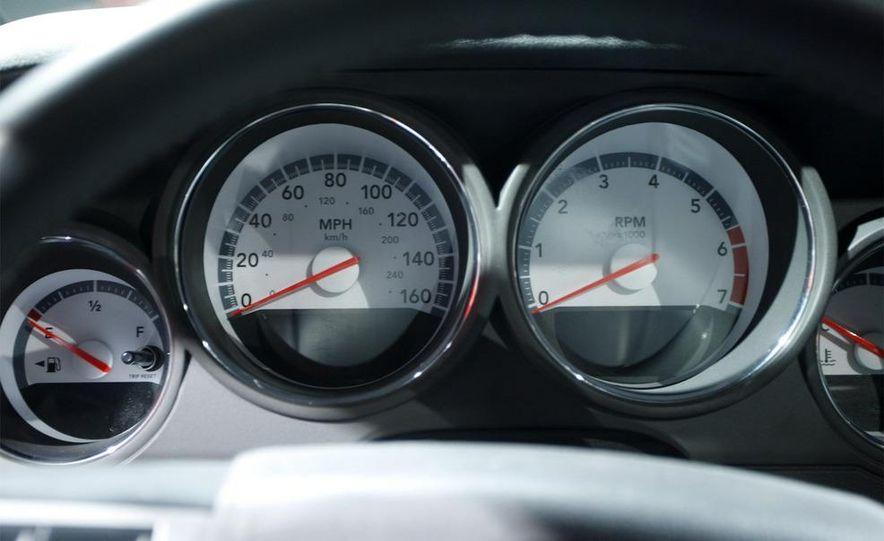 2009 Dodge Challenger R/T - Slide 9