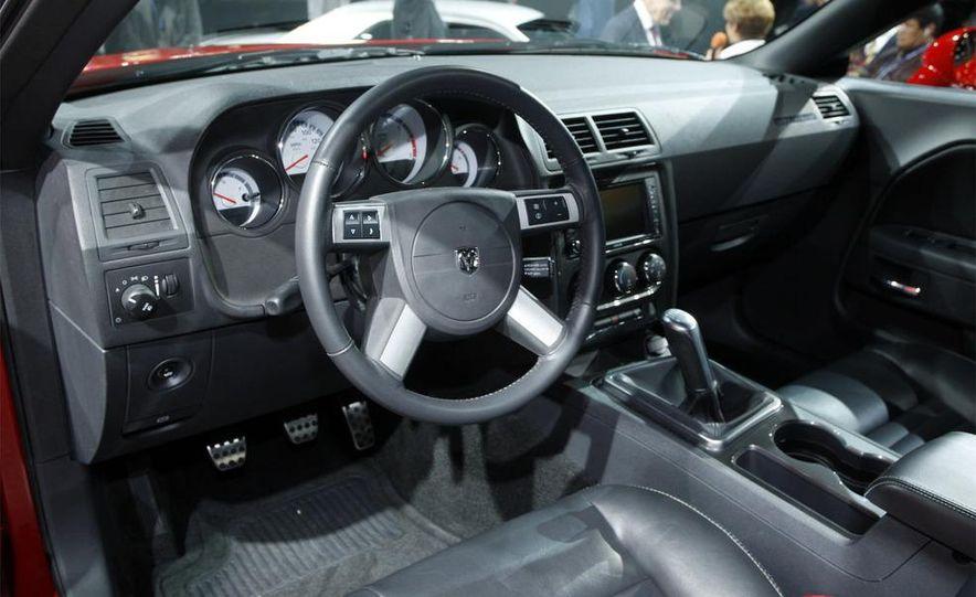 2009 Dodge Challenger R/T - Slide 7