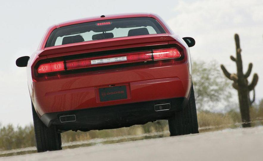 2009 Dodge Challenger R/T - Slide 31