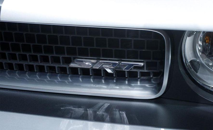 2009 Dodge Challenger R/T - Slide 27