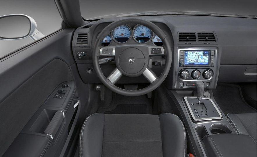 2009 Dodge Challenger R/T - Slide 38