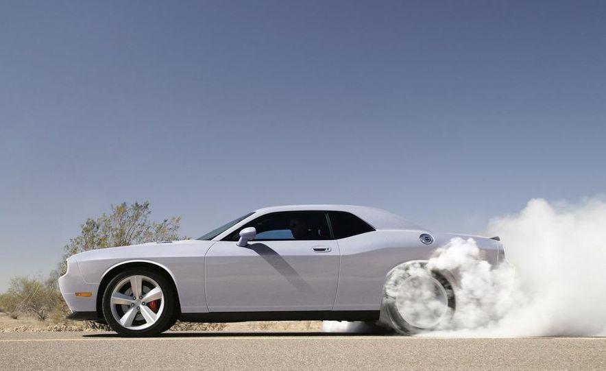 2009 Dodge Challenger R/T - Slide 37