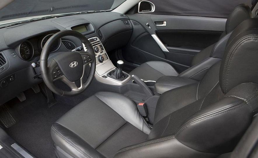 2010 Hyundai Genesis coupe - Slide 25