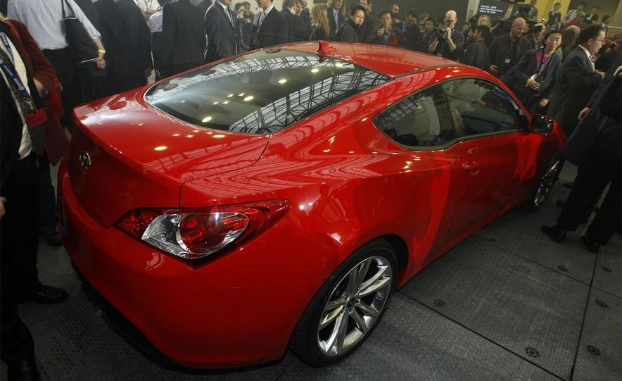 2010 Hyundai Genesis coupe - Slide 40
