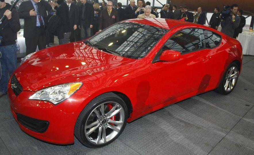 2010 Hyundai Genesis coupe - Slide 4