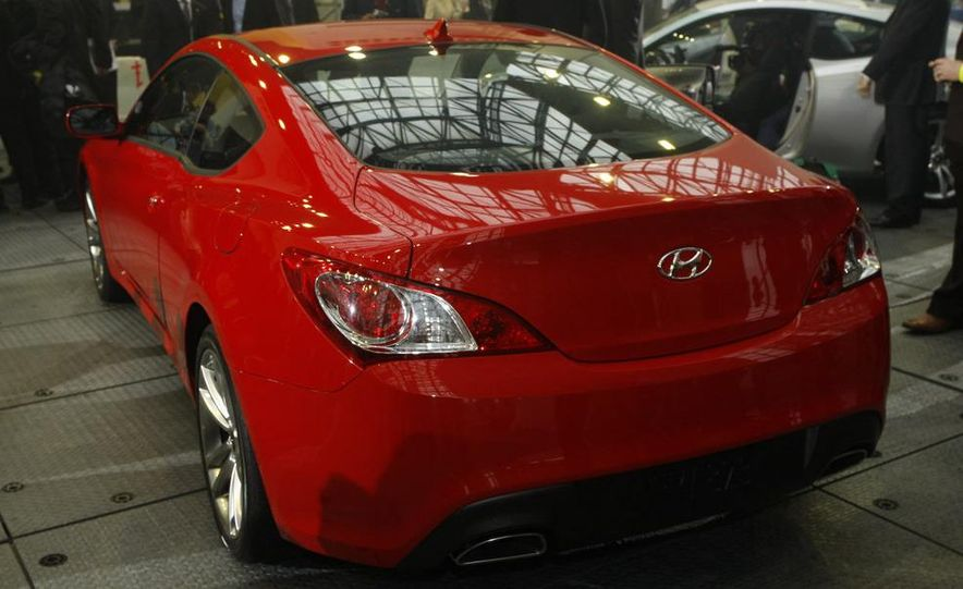 2010 Hyundai Genesis coupe - Slide 6