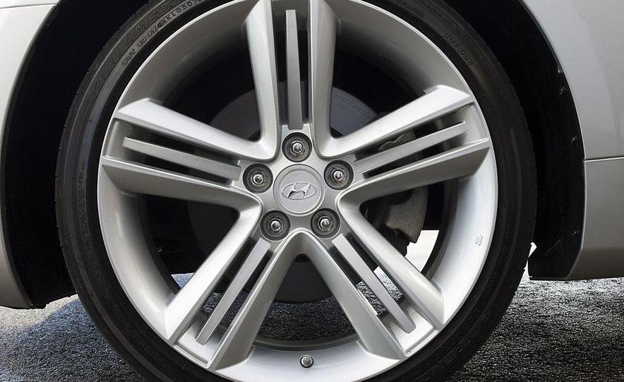 2010 Hyundai Genesis coupe - Slide 23