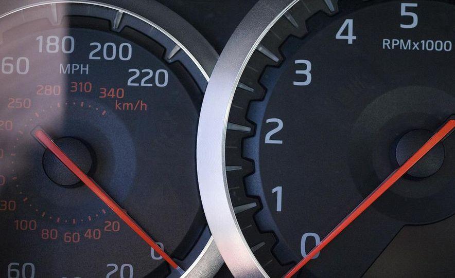 2009 Nissan GT-R - Slide 14