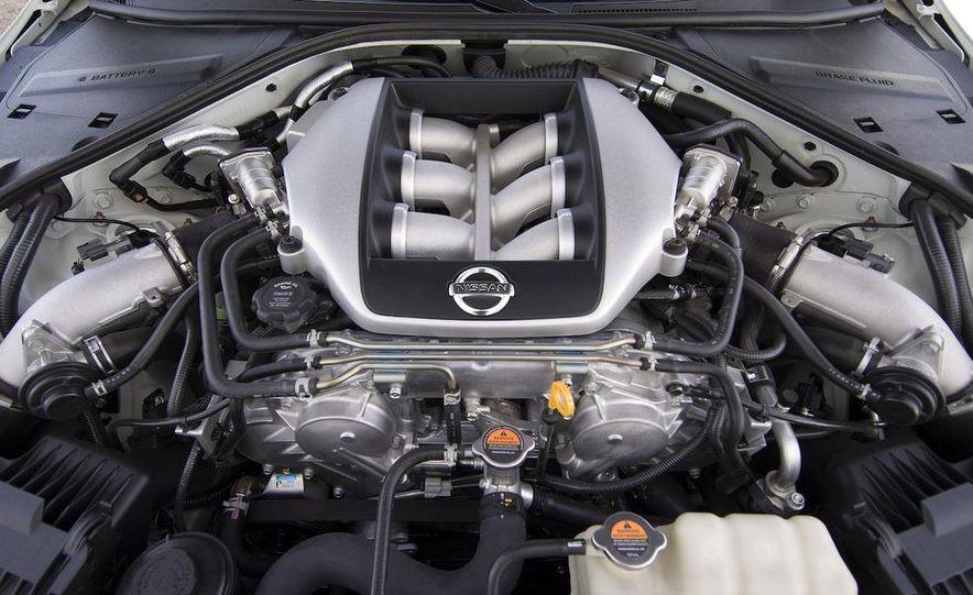 2009 Nissan GT-R - Slide 10