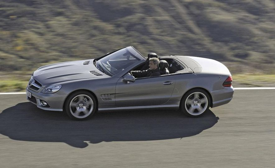 2009 Mercedes-Benz SL600 - Slide 21