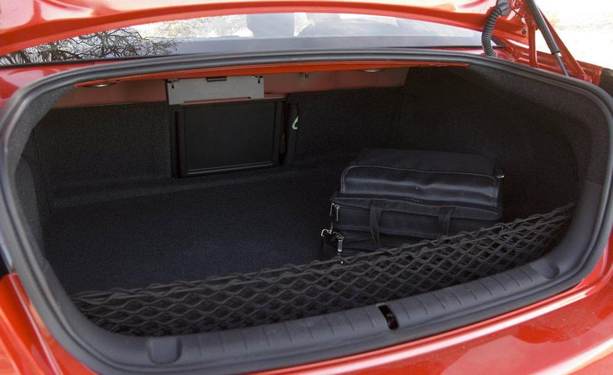 2009 Pontiac G8 GXP - Slide 33
