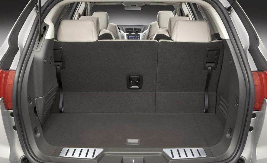 2009 Chevrolet Traverse - Slide 11