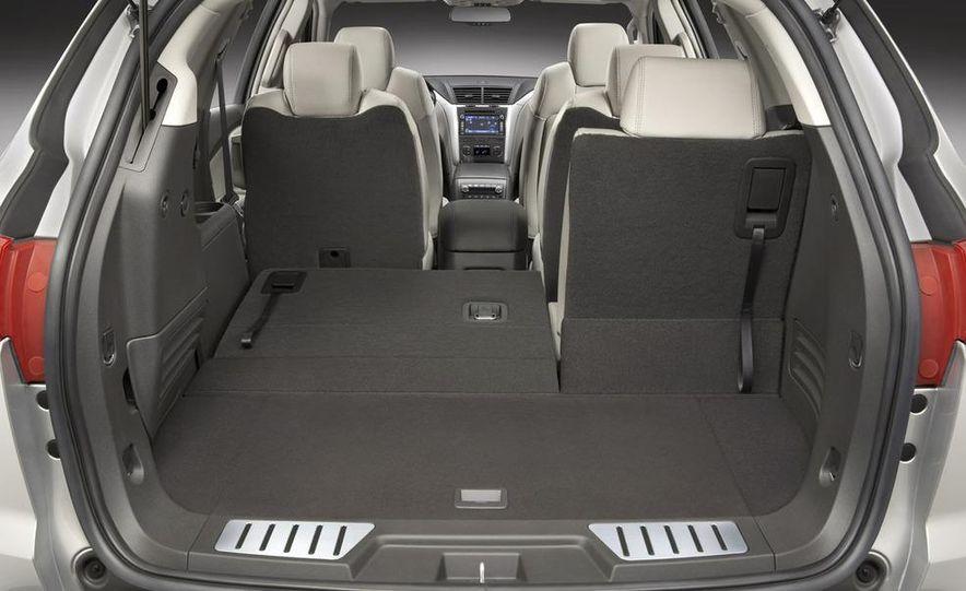 2009 Chevrolet Traverse - Slide 13