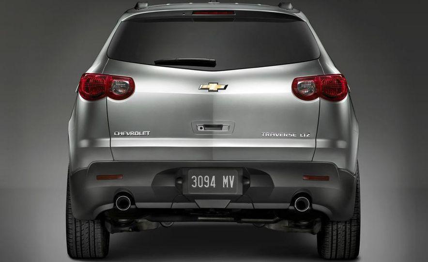 2009 Chevrolet Traverse - Slide 2