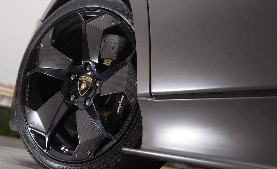 2008 Lamborghini Reventon - Slide 19