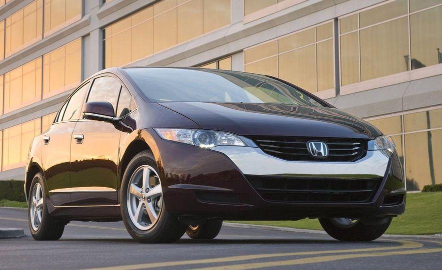 2009 Honda FCX Clarity - Slide 2