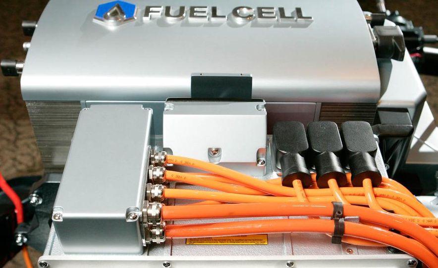 Chevrolet Volt concept fuel cell - Slide 1