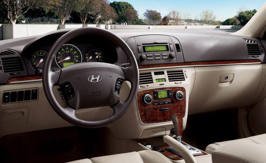 2008 Hyundai Sonata - Slide 10