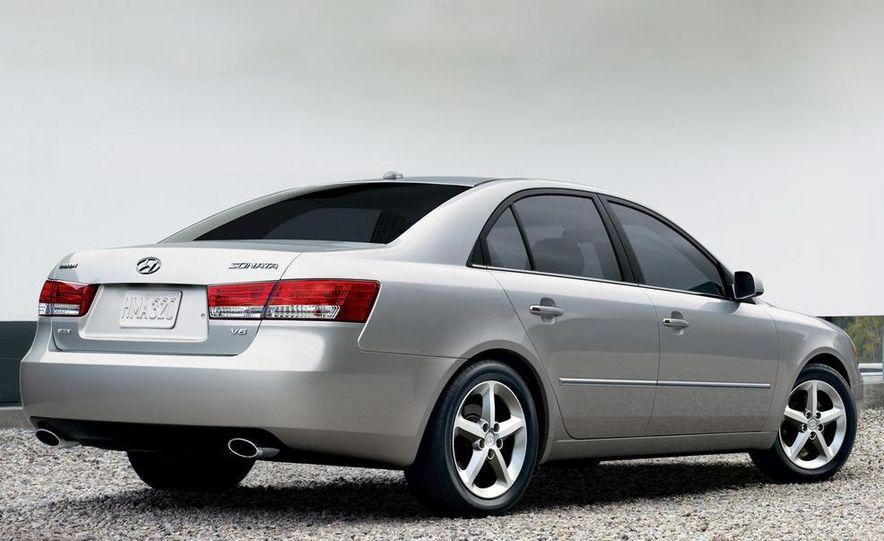 2008 Hyundai Sonata - Slide 3