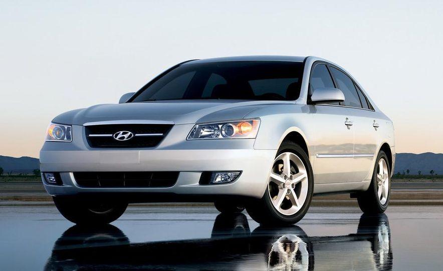 2008 Hyundai Sonata - Slide 5