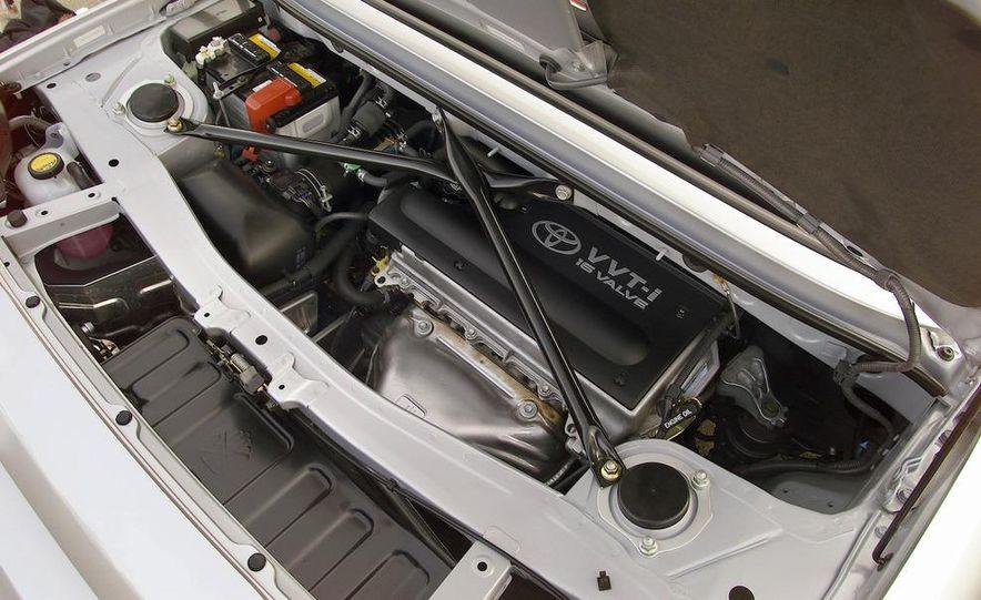 2004 Toyota MR2 Spyder - Slide 8