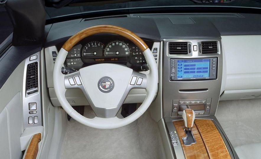 2009 Cadillac XLR - Slide 12