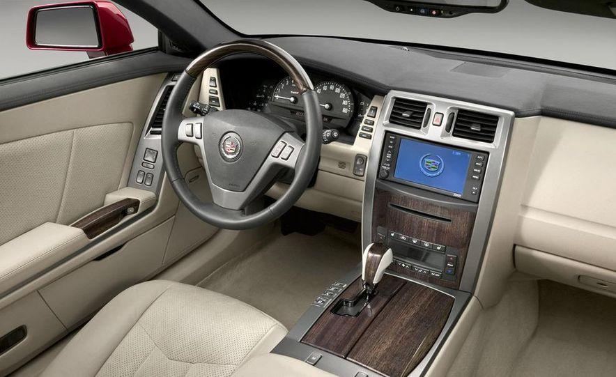 2009 Cadillac XLR - Slide 15