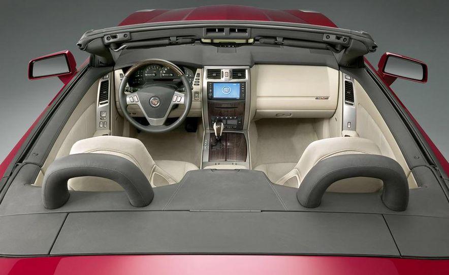 2009 Cadillac XLR - Slide 16