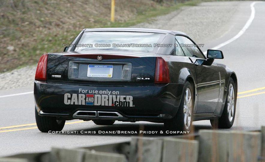 2009 Cadillac XLR - Slide 1