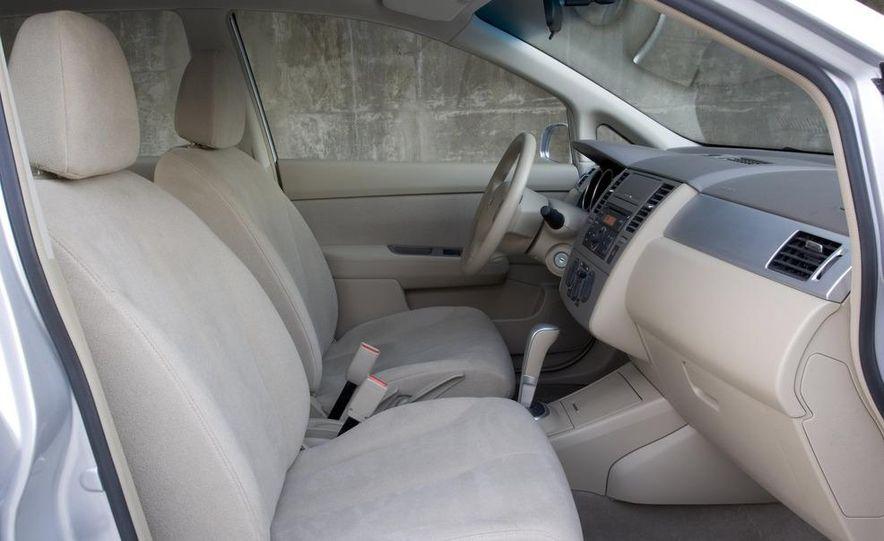 2008 Nissan Versa - Slide 2