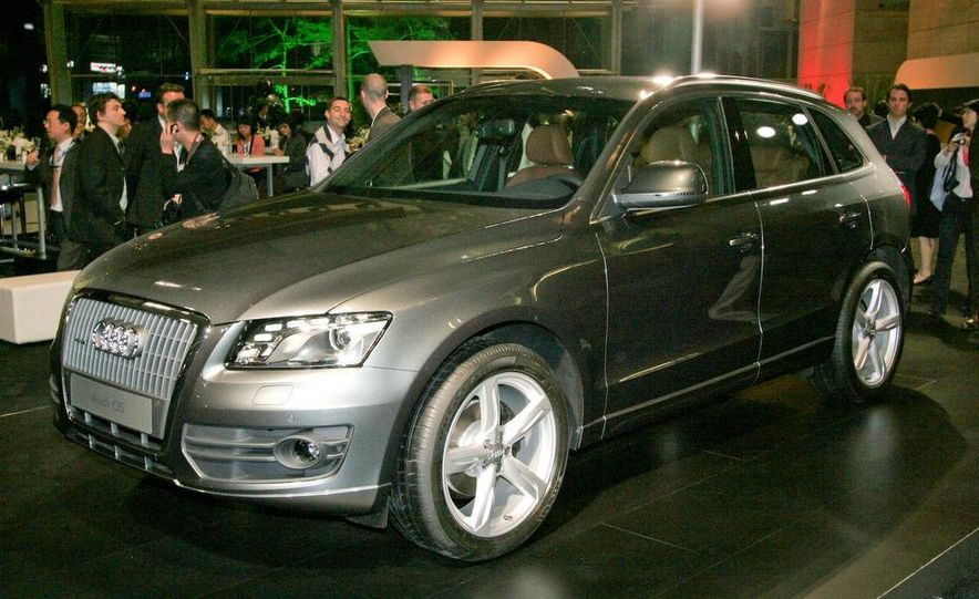 2009 Audi Q5 - Slide 1