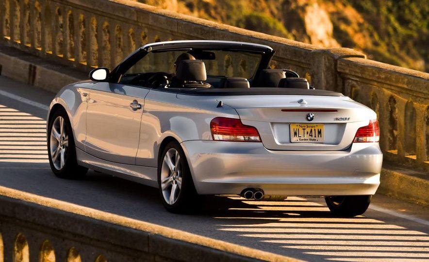 2008 BMW 128i convertible - Slide 2
