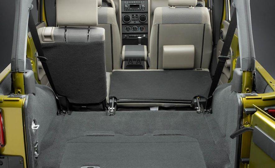 2008 Jeep Wrangler Unlimited interior - Slide 1
